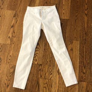 Women's Jessica Simpson white jeans.